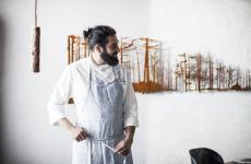 Riccardo Gaspari, chef e patron con la moglie Ludovica del ristoranteSanbritedi Cortina d'Ampezzo (Belluno).Cucinerà a Identità Golose Milanoda mercoledì 17 a sabato 20 luglio(75 euro, vini esclusi, prenotazioni online)