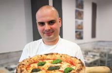 Giuseppe Bovee la Margherita de Il Segreto di Pulcinella, pizzeria a Montesarchio (Benevento), telefono +39.329.8760545