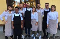 Il team al completo dell'Osteria BillisdiTortona, Alessandria, piacevolissima sorpresa e nuovo ingresso nella Guida online ai Ristoranti di Identità Golose