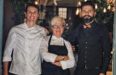 Il trio del Konnubio di Firenze: il sous chef Marco Anselmi, Beatrice Segoni, il sommelier Simone Loguercio. Tutte le foto sono di Luca Managlia