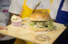 Gelato gastronomico in abbinamento con hamburger? Certo che sì, allo Sherbeth Festival di Palermo