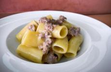 I Rigatoni con salsiccia di Daniele Bendanti, chef diOltrea Bologna