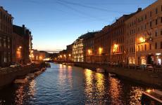 Le due di notte, nel centro di San Pietroburgo (foto di Niccolò Vecchia)