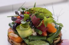 Scapece di melanzane, frutta, verdure e pomodoro San Marzano: il piatto dell'estate di Domenico Iavarone