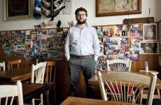 Luca Iaccarino, torinese, classe 1972. E' food editor della casa editriceEdt, responsabile della collana de I Cento e collaboratore di Repubblica