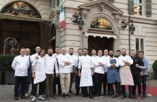 Un dream team di chef, qui immortalatial completo, riuniti da Matteo Baronetto, per un compleanno molto speciale al Del Cambio