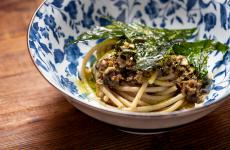 Spaghetti, chiocciole al limone, cicoria e the: il piatto dell'estate di Senio Venturi