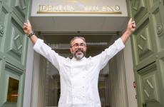 Philippe Léveillé davanti all'ingresso di Identità Golose Milano: le porte dell'Hub si sono riaperte per lui, dopo la pausa estiva