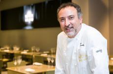 Lino Scarallo, chef diPalazzo Petrucci a Villa Donn'Annaa Posillipo, questa settimana ospite di Identità Golose Milano