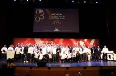 Foto di gruppo dei premiati alla presentazione della guida Michelin Svizzera 2020, l'altro giorno a Lugano