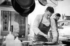 Marco Molaro, 30 anni, friulano, chef del ristorante Due Buoiad Alessandria. Succede algiapponeseJumpei Kuroda