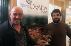Il presidente del Consorzio Ovada Italo Danielli brinda con il vicepresidente Daniele Oddone