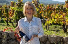 Valeria Costanzocon una bottiglia di Prefillossera 2016