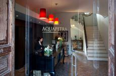 L'entrata dell'Aquapetra, splendido resort a Telese Terme (Benevento)