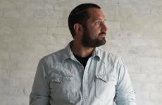 Richard Hart, londinese, 41anni. Nel settembre 2018 ha aperto Hart Bageri a Copenhagen, socio Rene Redzepi del Noma, riscuotendo successo immediato. Ci racconterà la sua storia a Identità Milano, sabato 23 marzo, ore 17.30