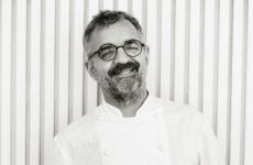 Mauro Uliassi, 61 anni. Dal 28 maggio 1990 è chef e patron del ristorante Uliassi a Senigallia (Ancona), prima una (1995), poi due (2008) poi 3 stelle Michelin (dicembre 2018). Foto uliassi.com