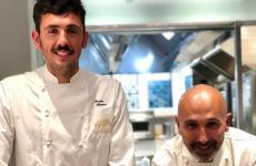 Enrico Marmo e, seduto,Andrea Ribaldone, chef e chef/patron diOsteria Arborinaa La Morra (Cuneo), una stella Michelin, all'Hub di Identità Golose Milanoda ieri, efino a stasera, sabato 13giugno (ore 19.30 e 21) al costo di75 euro a persona, vini inclusi.Per prenotazioni, clicca qui