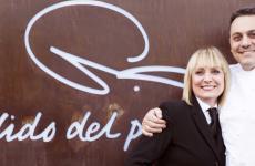 Daniele Repetti e la moglieLucy Cornwell, insieme guidano il ristoranteNido del PicchioaCarpaneto Piacentino (Piacenza)
