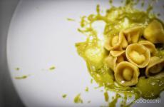 Cappelletti in brodo: la ricetta primaverile di Daniele Citeroni