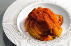 Lo Spaghettone ai trepomodoricosì come viene servito a Identità Golose Milano