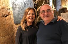 Franco Virga con la moglie Stefania Milano. Hanno creato la Good Company Sicily, dando vita a insegne come Gagini, Bocum, Buatta, Aja Mola, tutte a Palermo