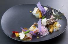 Spigola e capasanta allo yuzu-miso, matcha e tartufo: la ricetta di Eiji Yamamoto