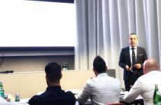 Alessandro Fadda, coordinatore delCorso Manager della Ristorazione di ALMA, durante la sua lezione a Identità Golose Milano