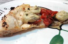 La Vongole e pomodoro di Ciro Oliva, pizzaiolo di Concettina ai tre santi, Napoli